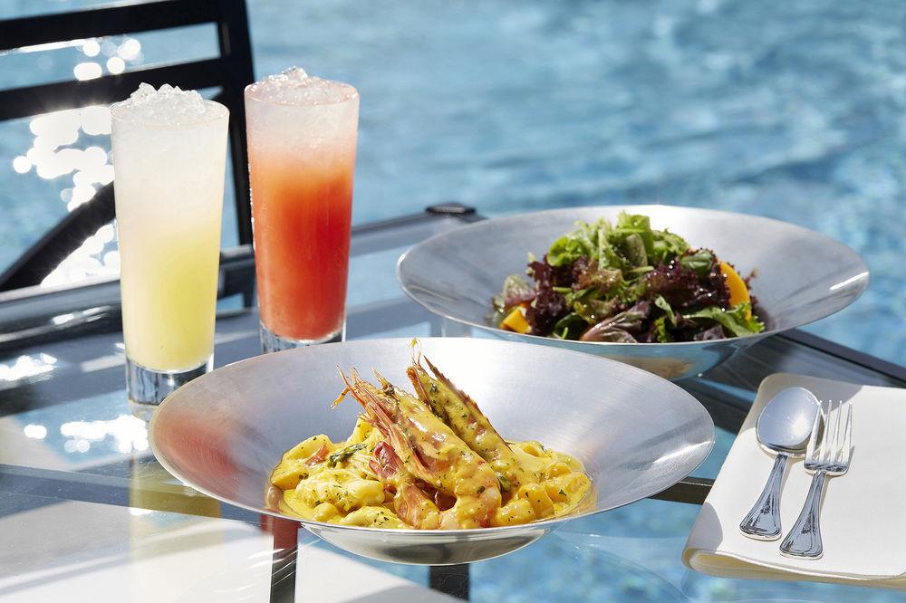 Shrimp and seafood served at the Shilla Jeju