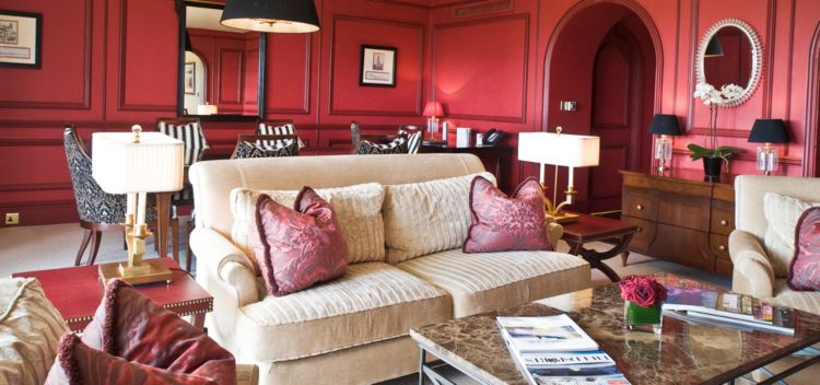 hotel room with red walls at the old course hotel in scotland