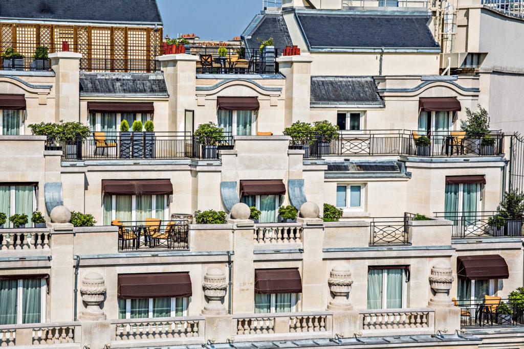 lux250ex-145619-Hotel facade