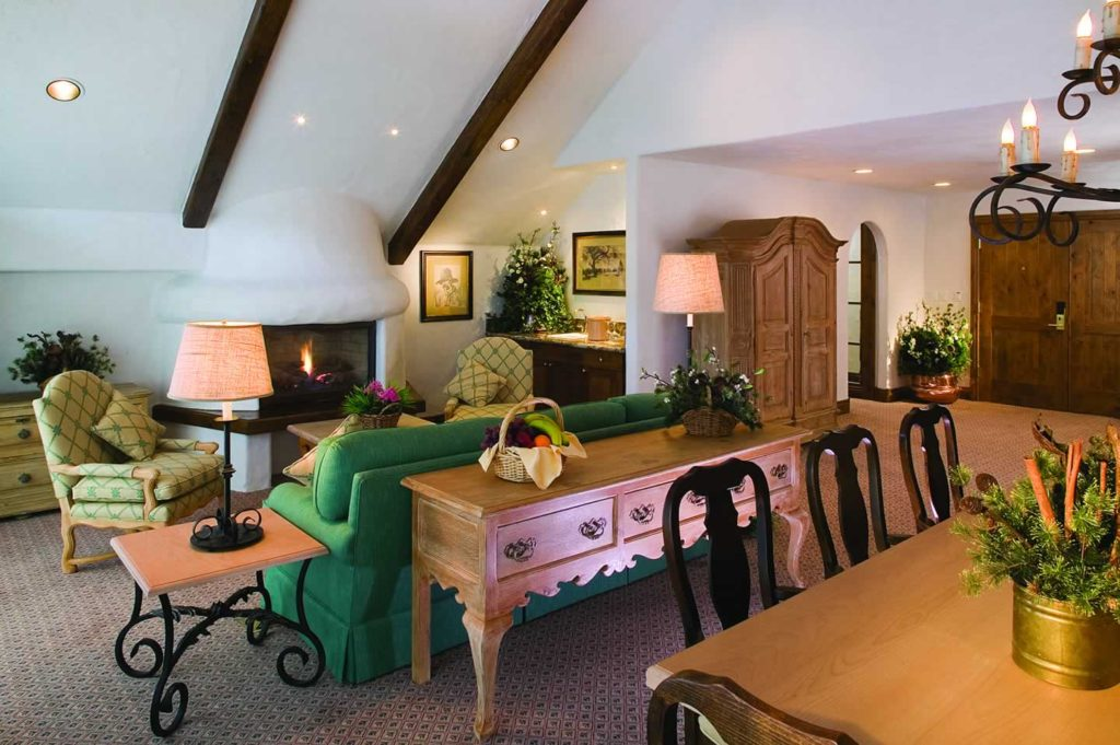 Castle Peak Suites offer a comfortable dining area and spacious living room