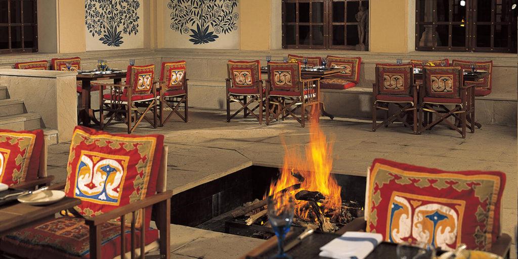 Restaurant fire pit