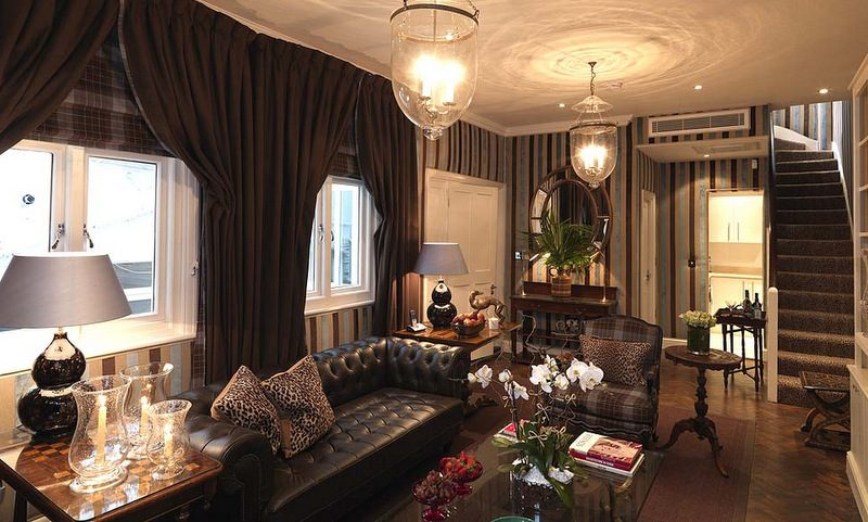 lounge in Junior Suite at Hotel 41
