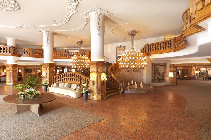 gorgeous entrance hall of hotel